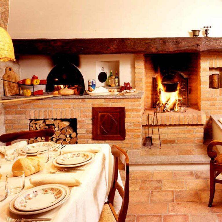 Taverne forni e barbecues toppino home design - Camino per cucinare ...